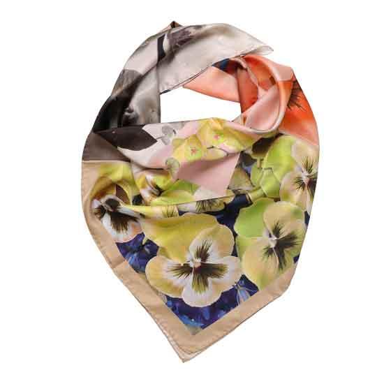 foulard sui toni del giallo
